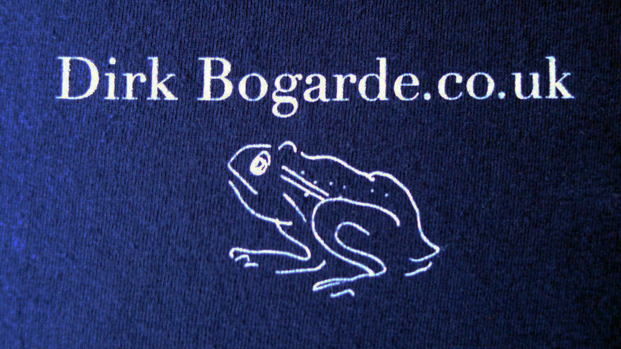 Detail - Logo on reverse